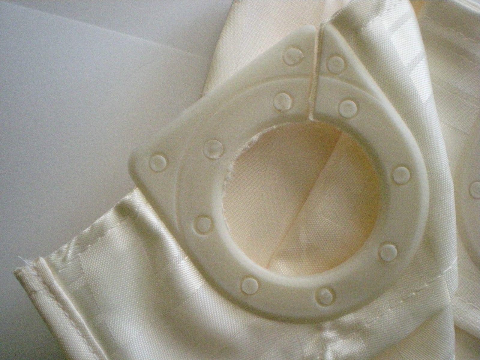 Hookless Shower / Ivory